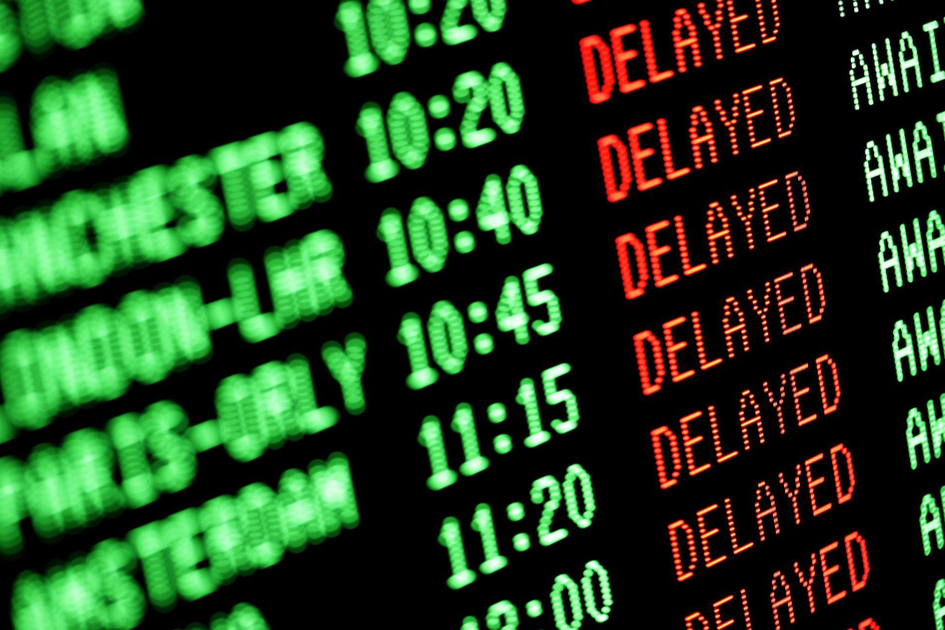 Twój samolot jest opóźniony? Zobacz jak możesz na tym zyskać!